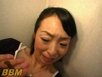 【人妻に≪スカトロ≫羞恥】うんこ食い変態侵入者!!!