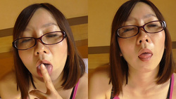 Erotic kissing face Mania Elo Elo glasses wife Miyuki is kissing face! Hen [4 K]