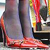 高修长的女人红色丝袜膝高靴践踏小生物!